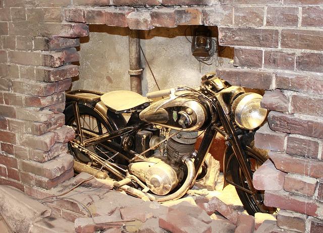 starý motocykl